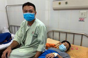 Hai học sinh trường Tiên Dương tiếp tục phải theo dõi điều trị tại bệnh viện