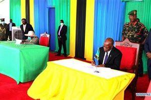 Tanzania và Uganda ký thỏa thuận xây dựng đường ống dẫn dầu