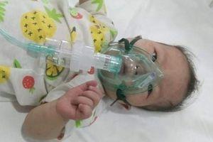 Xót xa bé 11 tháng tuổi thân hình yếu ớt cần tiền phẫu thuật tim gấp