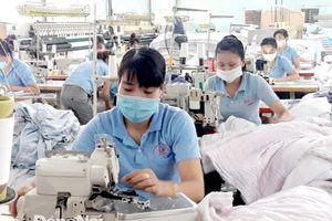 Sản xuất phục hồi nhờ nỗ lực giữ chân người lao động