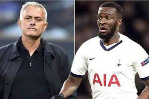 HLV Mourinho bỗng thay đổi thái độ với 'bom xịt' của Tottenham