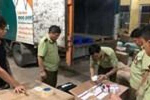 Xe tải của Viettel Post chở hàng nhập lậu ở Lạng Sơn