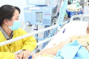 Bắt khẩn cấp gã 'cò máu' ở Bệnh viện Việt Đức