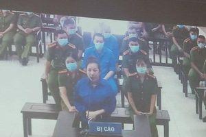Nữ đại gia Dương 'Đường' nhờ Giám đốc trung tâm đấu giá làm sai lệch kết quả