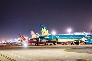 Vietnam Airlines, Vietjet hủy hơn 50 chuyến bay do ảnh hưởng của bão Noul