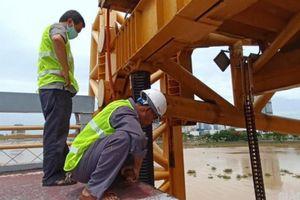 Điều 'hiếm thấy, ít biết' về cầu vàng đi bộ qua sông Hàn