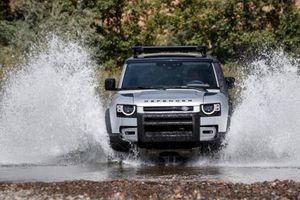 Land Rover Defender vừa ra mắt khách hàng Việt, đã có ngay 30 đơn hàng