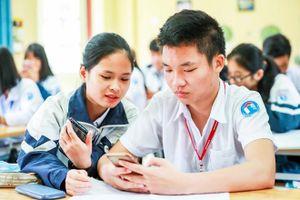 Phụ huynh 'chia rẽ' trước quy định cho học sinh dùng điện thoại trong giờ