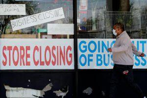 Trợ cấp thất nghiệp 600 USD/tuần không đủ giúp người Mỹ trả nợ