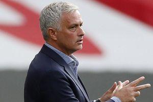 Tottenham và Mourinho bất chiến tự nhiên thành 'nhờ'… COVID-19