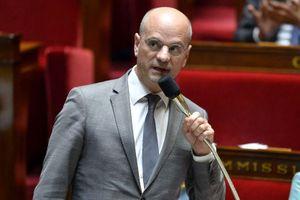 Bộ trưởng Pháp gây 'bão mạng'