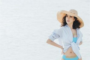 MC Thanh Mai ăn mặc gợi cảm, trẻ trung bất chấp tuổi U50