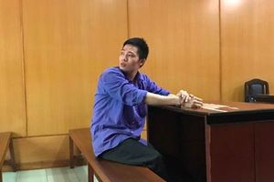TP HCM: Chồng đâm vợ chết trước ngày ly hôn