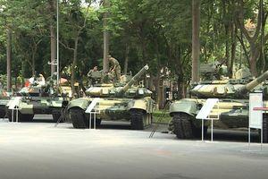 Choáng ngợp dàn xe tăng Việt Nam hiện đại hội tụ giữa lòng Thủ đô