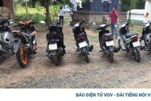 Phát hiện 7 mô tô nghi trộm cắp tại khu vực nhà hoang gần biên giới Campuchia