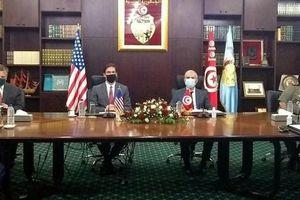 Bộ trưởng Quốc phòng Mỹ đến Tunisia, nhấn mạnh quan hệ đồng minh
