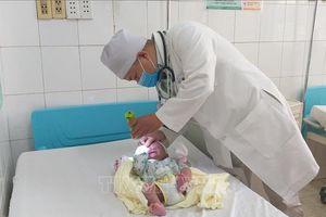 Phẫu thuật thành công bé sơ sinh có khối thoát vị não chẩm kích thước lớn