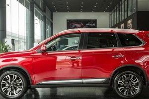 Mở màn tháng 10, ô tô 5+2 chỗ của hãng xe Nhật giảm 'đậm tay' 160 triệu đồng tại Việt Nam