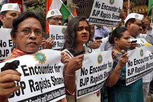 Phụ nữ Ấn Độ bị miệt thị trên mạng, quấy rối ngoài đời