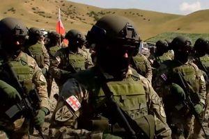 Quân đội Gruzia tái trang bị bằng vũ khí chuẩn NATO