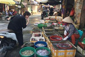 Nỗi lo thực phẩm ''bẩn'' ở chợ dân sinh