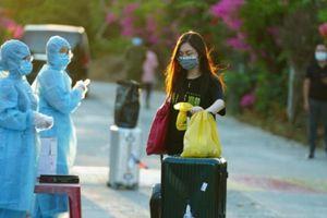 Vì sao 158 hành khách đáp xuống Tân Sơn Nhất 'đôi co' phí cách ly?