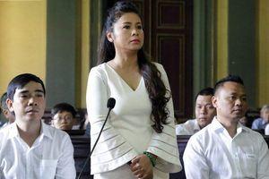 Bà Lê Hoàng Diệp Thảo kêu cứu khẩn cấp, đề nghị hủy hai bản án phúc thẩm và sơ thẩm trong vụ ly hôn ồn ào vừa qua