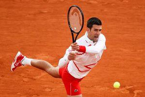 Djokovic vượt thành tích của Federer tại Pháp mở rộng
