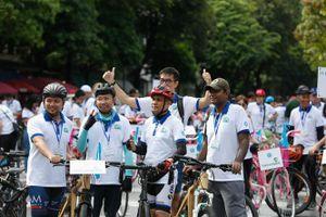 Hành trình xe đạp hữu nghị vì thành phố Hà Nội xanh