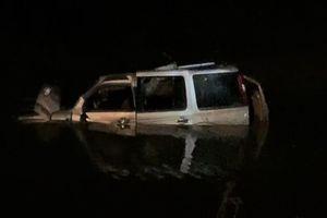 Hiện trường vụ ôtô lao xuống sông khiến 5 người chết