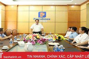 Đảng ủy Khối CCQ&DN Hà Tĩnh chúc mừng doanh nghiệp nhân ngày Doanh nhân