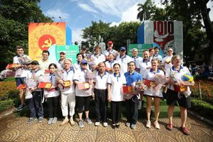 Gần 400 đại biểu tham gia 'Hành trình xe đạp hữu nghị vì thành phố Hà Nội xanh 2020'