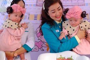 Ca mổ tách dính Trúc Nhi - Diệu Nhi nhận kỷ lục Guinness Việt Nam trong ngày 2 bé xuất viện