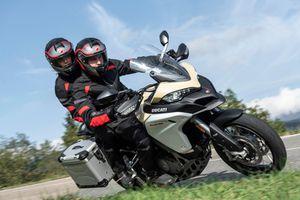 Ducati Multistrada V4 2020 - mẫu môtô đầu tiên được trang bị radar