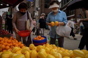 Bà nội trợ Hàn Quốc méo mặt vì giá nông sản tăng cao