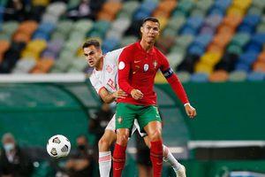 Ronaldo ra nghỉ sớm trong trận hòa của Bồ Đào Nha trước Tây Ban Nha