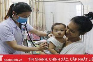 Chuyển mùa, trẻ em Hà Tĩnh nhập viện tăng gấp đôi ngày thường