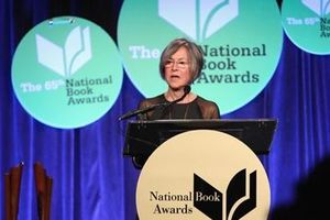 Nhà thơ người Mỹ Louise Gluck đoạt giải Nobel Văn học năm 2020