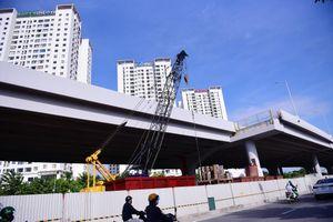 Chuẩn bị thông xe, vành đai 3 trên cao đoạn Mai Dịch - Nam Thăng Long vẫn chưa có lối lên xuống