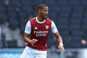 Arsenal quyết cho Saliba đi học việc dù hàng thủ vẫn khá tệ