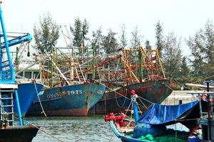 Cần tiếp sức ngư dân miền Trung đánh bắt xa bờ