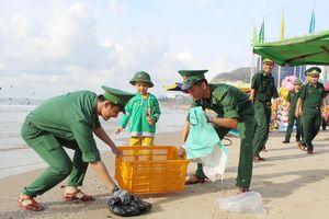 Lính 'quân hàm xanh' chung tay bảo vệ môi trường