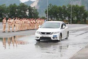 Nâng cao kỹ năng lái xe an toàn cho CSGT dẫn đoàn