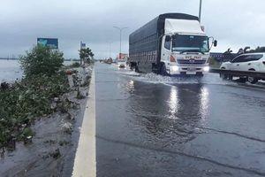 Quảng Nam: Mưa lớn khiến Quốc lộ 1A có nguy cơ 'thất thủ'