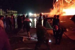 Nghệ An: Cháy 4 tàu cá của ngư dân
