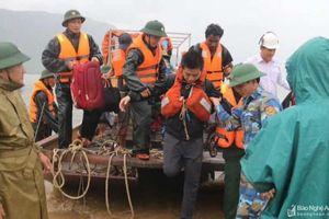 Thuyền trưởng và 5 thuyền viên người Nghệ An trên tàu gặp nạn đã được cứu đưa về đất liền