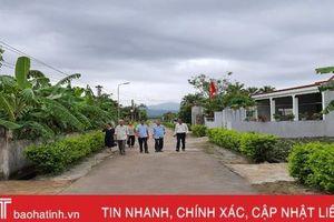 Khi 'cây cao bóng cả' tiên phong làm 'dân vận khéo' ở Hà Tĩnh