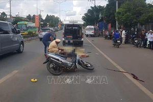 Bình Phước: Xe máy tông xe container, 2 người thương vong