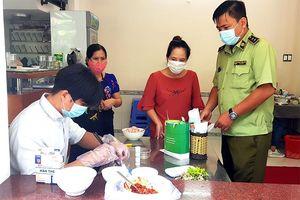 Tăng cường kiểm soát vệ sinh an toàn thực phẩm cuối năm