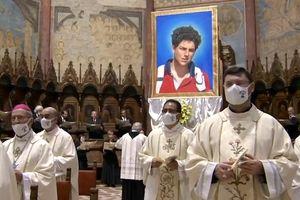 Lễ tuyên á thánh cho thiếu niên Italy qua đời năm 15 tuổi